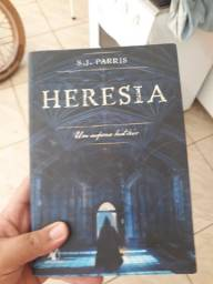 Livro: heresia