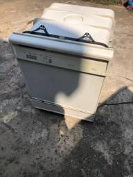 Máquina de lavar louças whirlpool