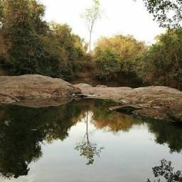 Chácara de Lazer com Belo Rio no Fundo, Aceito Veículo, Apenas 25 km de Goiânia