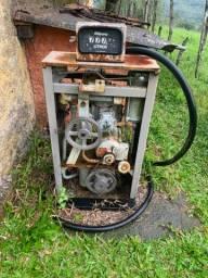 Bomba de gasolina antiga vintage P/ reforma