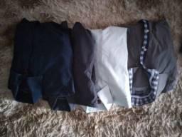 Calças e camisas