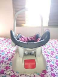Vendo bebê conforto semi-novo Burigotto acompanha suporte