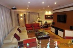 Apartamento para venda possui 296 metros quadrados com 4 quartos em Santa Teresinha - São