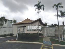 Apartamento com 2 dormitórios à venda, 60 m² por R$ 200.000 - Laranjeiras - Uberlândia/MG