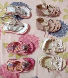 Sapatos e Roupas infantil
