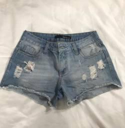 Short Jeans tamanho 38. R$ 15,00.