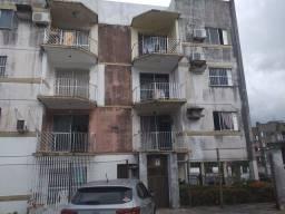 Alugo apartamento no Bequimao