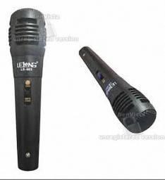 Microfone Profissional Le-905 Cabo P10 De Mão Com Fio 2,5 M