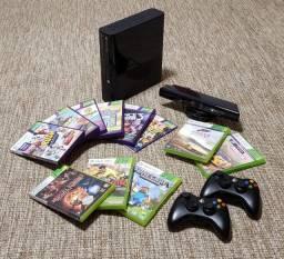 Xbox 360 (usado) + Um Kinect + 11 jogos + Dois Controles