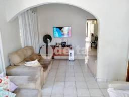 Casa para alugar com 3 dormitórios em Osvaldo rezende, Uberlandia cod:635008