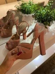 Sandália Schutz tamanho 34