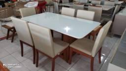 Mesa de jantar madeira e acabamento laka 6 lugares nova