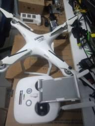 Drone Phantom 3 com 2 baterias precisando fazer revisão