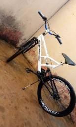Vende ou troco por motorizada