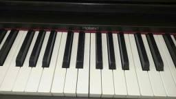 Piano Digital Roland HP1700L