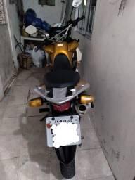 XRE 300 Amarela