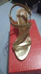 Sapato Vizzano tamanho 37