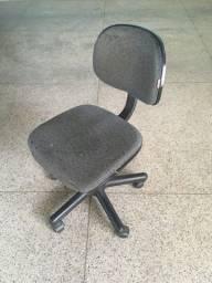 Cadeira de Escritório Giratória Conservada