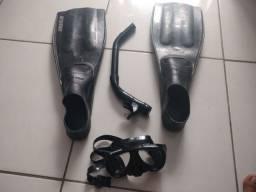 Vendo máscara de mergulho e pé de pato ?