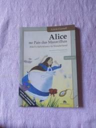 Livro Alice no País das Maravilhas (adaptação de Telma Guimarães)