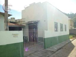 Casa no centro de s. bento de sapucaí