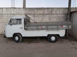 KOMBI PICK-UP Troco por carro fechado, de preferência sedan - 1996