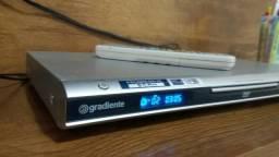Aparelho de DVD Gradiente com controle e funcionando