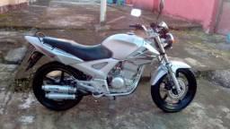 Moto honda twister 250cc documento correto aceito trocas recibo aberto - 2006