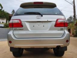 Toyota Hilux SW4 4x2 SR 2010 com apenas 7.476 quilômetros! - 2010