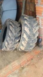 Vendo esses dois pneu de retroescavadeira Caterpillar