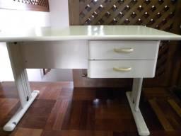 Mesa para escritório - usada