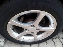 Roda estrela 16 com pneus