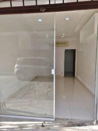 Oportunidade Única Loja Centro São Pedro com Cozinha e Banheiro, Piso Novo, Split