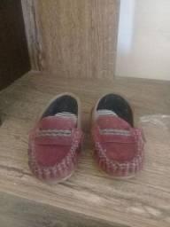 Sapato infantil usado