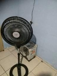 Vendo um ventilador De 40m de pé