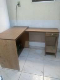 Mesa para escritório em L/ valor negociável