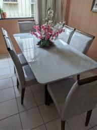 Mesa de jantar toda de.madeira