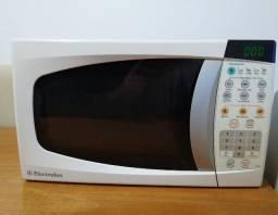 Microondas Electrolux usado