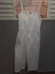 Vendo macacão jeans branco !!!!