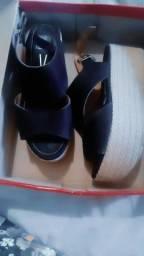 Vendo sandalia vizzano num 36 muito nova 60 reais