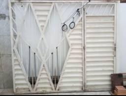 Portão de Ferro R$ 700,00
