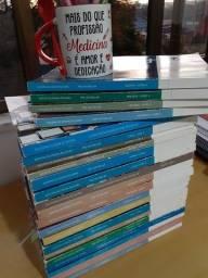 Livros Poliedro Pré-vestibular 2019 *com 3 exemplares faltando.