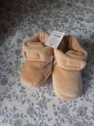 Vendo sapatos para bebês