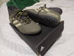 Chuteira Adidas 42