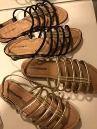 Duas sandalias por 20 reais