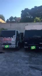 FRETES CAMINHÃO BAÚ FRETES BAÚS e Leandro Guincho