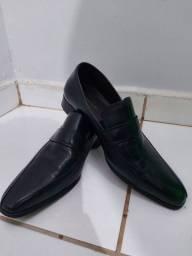 Sapato social em couro - novo na caixa