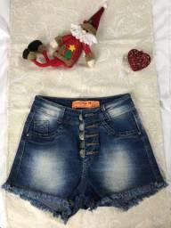 Short jeans tamanho 38 (pequeno). R$ 15,00.