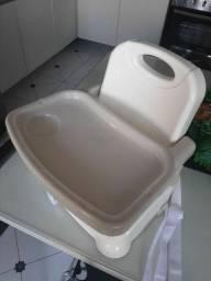 Vendo cadeirinha de alimentação pouco usada por 150 reais