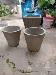 Vaso de cimento de R$ 20,00 e R$ 35.00